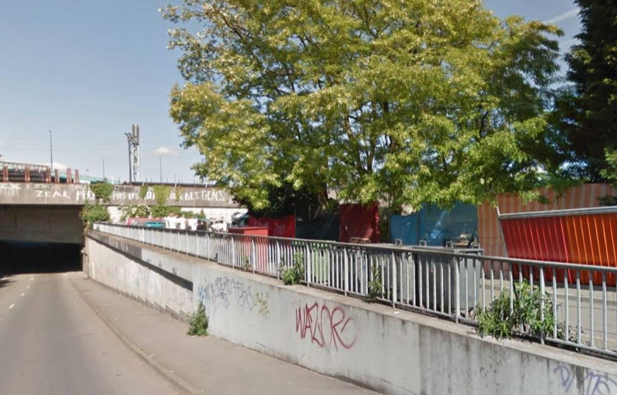 Le campement de la rue Bernos, à Lille-Fives. – Google Maps