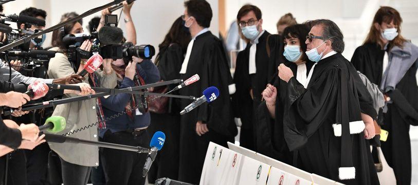 Des avocats de la défense au procès des attentats de janvier 2015, le 21 septembre 2020 à Paris.