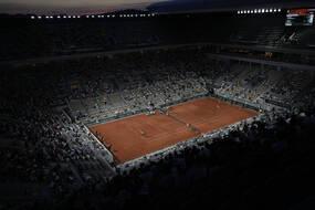 La demi-finale Nadal-Djokovic, de nuit, avec du public.