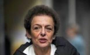 Lyne Cohen-Solal, adjointe PS au maire de Paris, a été entendue mercredi à Lille dans le cadre de son affaire d'emploi fictif présumé en 1992, pour laquelle elle a été mise en examen en 2004 pour recel de détournement de fonds publics, a-t-on appris de source judiciaire.