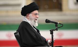 L'Ayatollah Ali Khamenei a refusé tout engagement sur le nucléaire iranien sans levée des sanctions économiques.