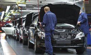Les ventes de voitures neuves ont reculé de 2,8% en juin sur un an dans l'Union européenne et de 6,8% depuis le début de l'annee 2012, selon des données publiées mardi par l'association des constructeurs automobiles européens (ACEA).