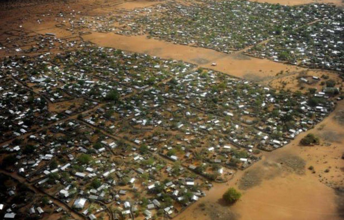 Quatre humanitaires étrangers ont été enlevés et leur chauffeur kényan a été tué vendredi lors d'une attaque contre un convoi du Norwegian Refugee Council (NRC) dans l'un des camps de réfugiés du complexe de Dadaab, au Kenya près de la Somalie, selon la police. – Tony Karumba afp.com