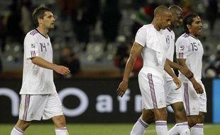 Les joueurs de l'équipe de France, à l'issue du match nul contre l'Uruguay, le 11 juin 2010 au Cap.