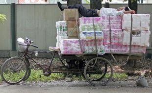 Le groupe papetier suédois SCA a signalé lundi son intention de poursuivre son expansion dans le secteur de l'hygiène avec l'annonce d'une offre publique d'achat sur le fabricant chinois de mouchoirs en papier Vinda.