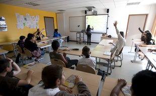 Un enseignant dans un collège de la région parisienne.