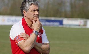 Pierre Chadebech ne sera plus entraineur du LMR pour la saison 2014-2015.