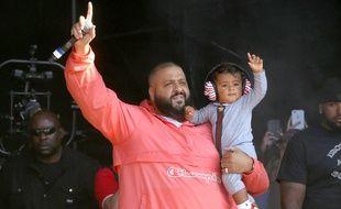 Dj Khaled et son fils Asahd Khaled à Wantagh aux Etats-Unis.