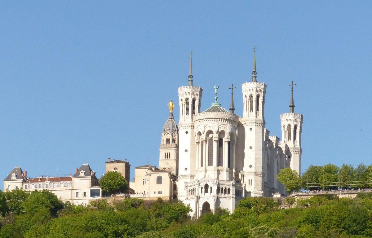 Illustration de la basilique de Fourvière à Lyon. – Elisa Frisullo / 20 Minutes