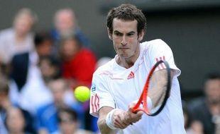 Roger Federer et Andy Murray s'affrontent dimanche dans une finale de Wimbledon chargée d'enjeux en tous genres: le Suisse y visera la première place mondiale et plusieurs records, tandis que le Britannique cherchera à donner à son pays son premier titre majeur depuis 1936.