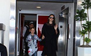Angelina Jolie gâterait ses enfants pour leur faire oublier le divorce
