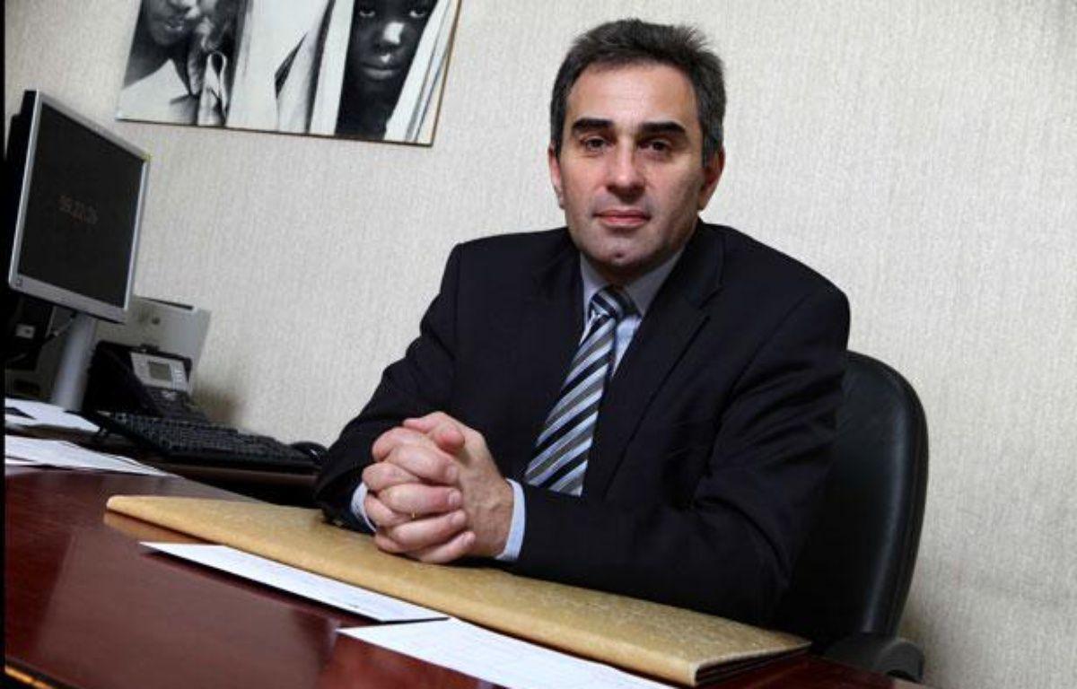 Le Professeur Patrick Tounian, ici dans son bureau, est pédiatre à l'hôpital Trousseau et spécialiste de l'obésité – COUTIER BRUNO/SIPA