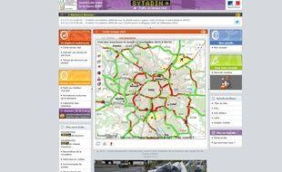 Capture d'écran du site d'informations routières francilien Sytadin, le 17 novembre 2015. Un record de 529 km de bouchons a été constaté peu avant 9h. A 9h42, il y avait encore 381 km d'embouteillages.