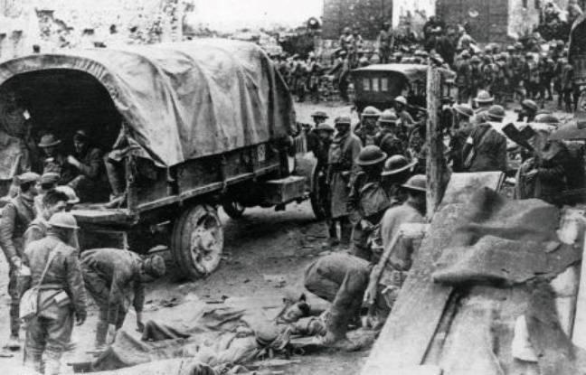 Des blessés pendant le conflit.