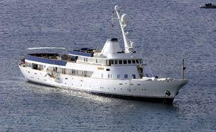 Le Paloma, palace de luxe flottant de 65mètres de long, appartient au milliardaire français Vincent Bolloré depuis 2003.