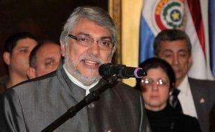 """Le gouvernement du nouveau président du Paraguay, Federico Franco, qu'aucun pays étranger n'a encore reconnu, va s'efforcer d'imposer sa légitimité après la destitution vendredi du président Fernando Lugo qui a appelé dimanche à """"manifester pacifiquement"""" contre son éviction expresse par un vote du Congrès."""