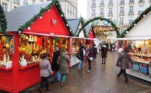 Le marché de Noël de Nantes 2017, place Royale.