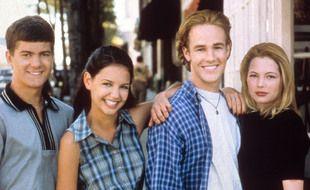 « Dawson » est surtout connue pour ses triangles amoureux, d'abord Dawson/Joey/Jen puis l'inoubliable Dawson/Joey/Pacey (team Dawson ici mais chut