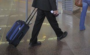 Un Marocain a été contrôlé par les douanes en Alsace avec 8 kilos de résine de cannabis dans sa valise. (Illustration)