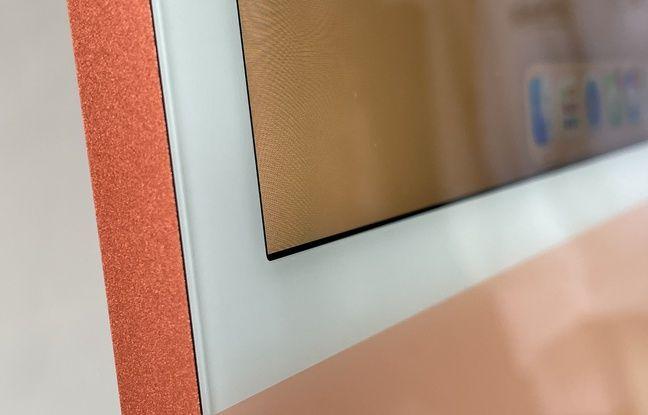 L'écran de 24 pouces conserve ses bordures blanches.