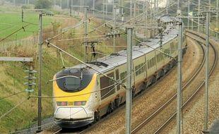 L'Eurostar est resté bloqué quatre heures en gare de Calais-Fréthun.