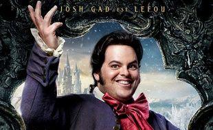 Détail de l'affiche française du film «La Belle et la Bête», faisant apparaître Le Fou, incarné par Josh Gad, premier personnage ouvertement homosexuel chez DIsney.