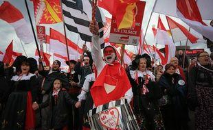 1.600 à 8.000 personnes ont manifesté contre la fusion de l'Alsace avec la Lorraine et la Champagne-Ardenne, le 13 décembre 2014 à Strasbourg