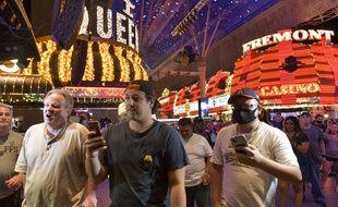 Des touristes ont pris d'assaut les casinos de Las Vegas pour leur réouverture, le 4 juin 2020.