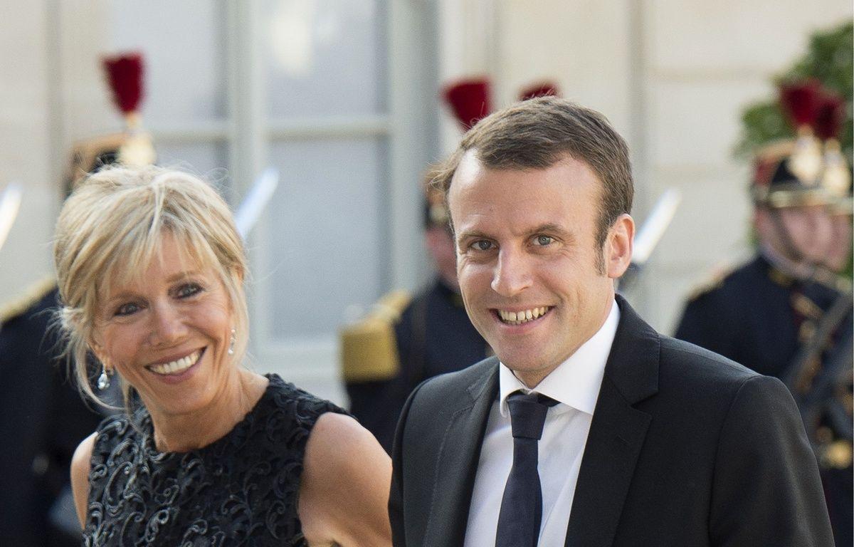 Emmanuel Macron et son épouse, Brigitte Trogneux, à l'Elysée, le 2 juin 2015. – VILLARD/NIVIERE/SIPA