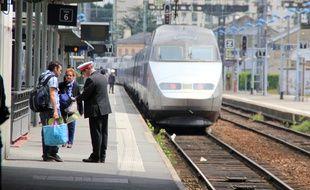 Les quais de la gare de Rennes (illustration