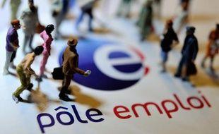 Le nombre de demandeurs d'emploi sans activité a connu en juin un huitième mois consécutif de hausse, avec 9.400 nouveaux inscrits à Pôle emploi en métropole