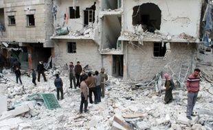 Le régime syrien a mené ce week-end ses raids aériens le plus sanglants contre les quartiers rebelles d'Alep, faisant 121 morts, et s'en est violemment pris à l'opposition, au lendemain de la fin des pourparlers de Genève.