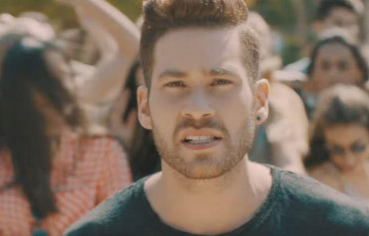 Imri, candidat d'Israël à l'Eurovision 2017. – Capture d'écran YouTube ESC