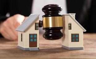 Pendant une procédure de divorce, l'occupation du domicile conjugal ne se fait pas n'importe comment.