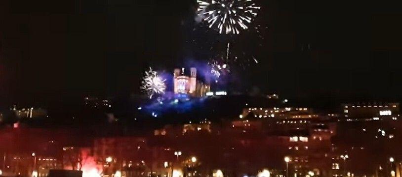Une nouvelle vidéo du feu d'artifice, avec des images de drone, a été publiée mercredi.