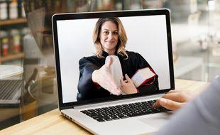 Face au développement de nouveaux services juridiques en ligne, le monde de la formation s'organise pour préparer des « juristes augmentés ».