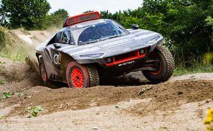 Audi RS Q e-tron buggy Dakar