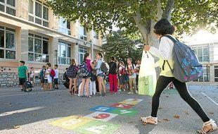 Illustration de la rentrée scolaire dans l' école primaire de l'abbé de l'épée, le 3 septembre 2013 à Marseille.