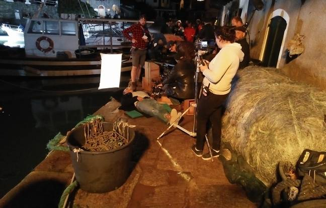 Le tournage, de nuit, dans le port de Centuri.