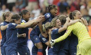Les joueuses de l'équipe de France de football, lors du quart de finale contre l'Angleterre.
