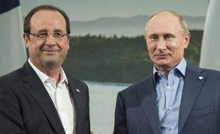 """François Hollande s'est entretenu lundi du conflit syrien avec son homologue russe Vladimir Poutine sans avoir """"trop d'illusions"""" sur les chances d'infléchir au sommet du G8 la détermination de l'indéfectible allié de Damas."""