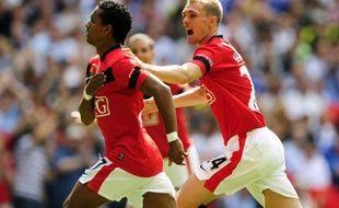Les joueurs de Manchester United, Nani et Darren Fletcher, lors du Community Shield perdu face à Chelsea, le 9 août 2009.