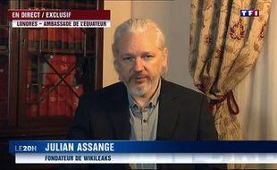 Une capture d'écran montre Julian Assange lors d'une interview sur TF1 le 24 juin 2015