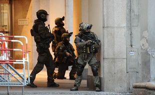 Des policiers d'élite allemands en intervention après la fusillade de Munich