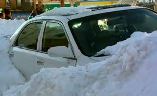 Dans le New Jersey (Etats-Unis), une mère et son fils de un an sont morts intoxiqués dans leur voiture.