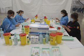 Dans un centre de vaccination à Perpignan.