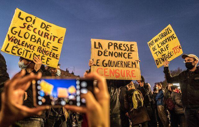 640x410_une-manifestation-contre-le-projet-de-loi-securite-globale-mardi-17-novembre-2020-a-paris.jpg