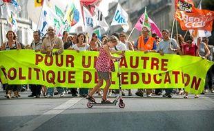 Les enseignants du public et du privé ont défilé hier après-midi à Marseille.