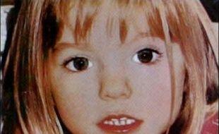 L'énigme sur la disparition de Madeleine McCann en mai dans une station balnéaire du sud du Portugal, reste entière après la publication dans la presse d'informations sur la découverte de traces de sang dans la chambre du complexe hôtelier d'où a disparu la fillette.