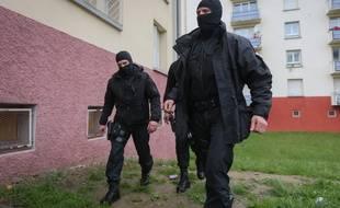 Ces deux personnes ont été interpellées en région lyonnaise et en Ile-de-France par la DGSI (illustration)